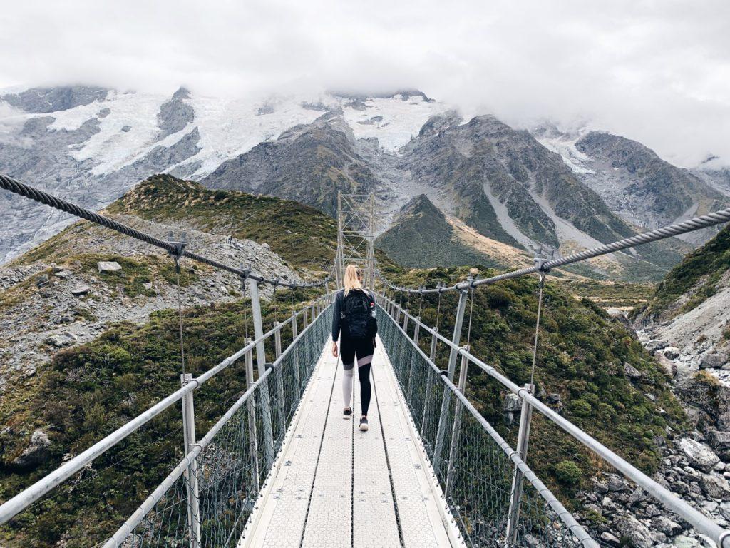 Hooker Valley track bridge