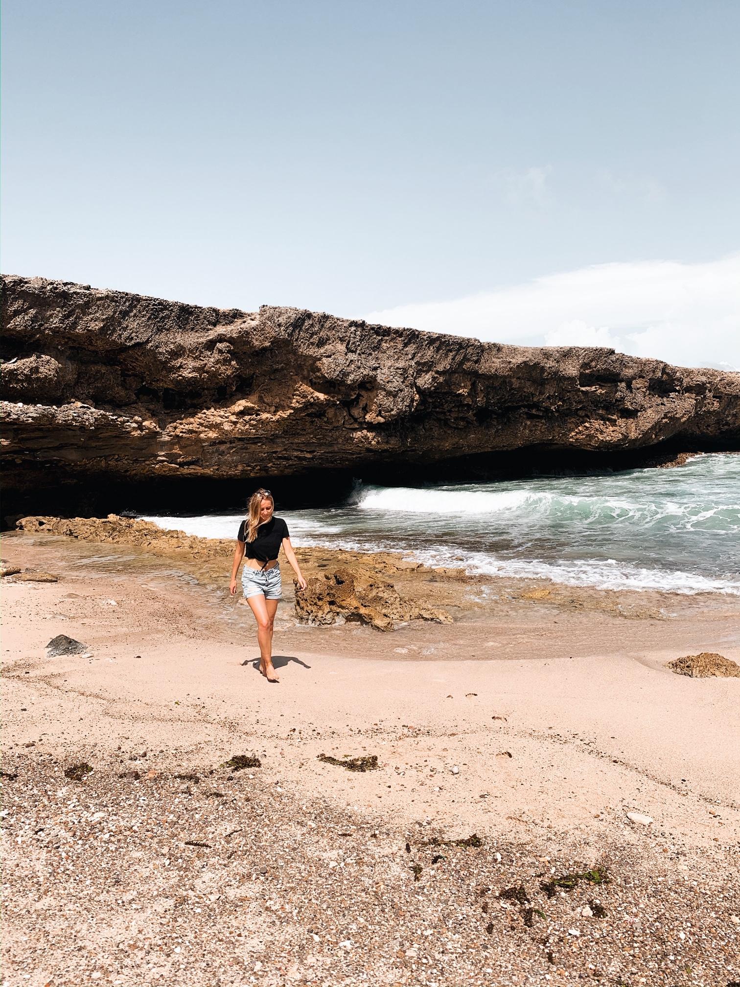 One week Curacao itinerary Shete Boka beach